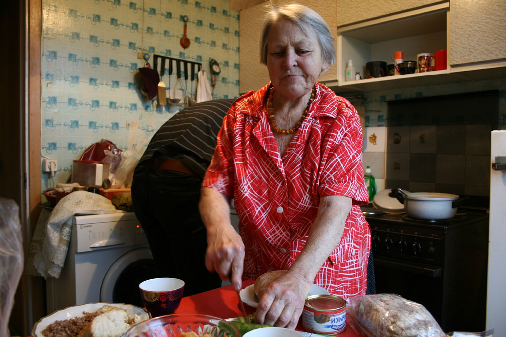 promoting healthy nutrition in seniors